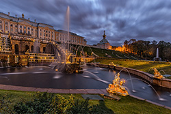 END OF THE SEASON OF FOUNTAINS IN PETERHOF